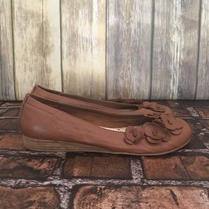 Seychelles Brown Leather Flats